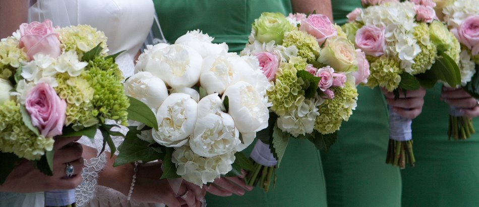 More bouquets from a beautiful spring wedding….